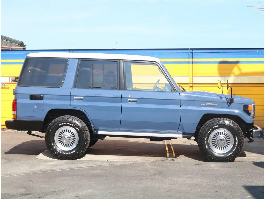 アルルブルーにNEWペイントされております!!   トヨタ ランドクルーザー70 4.2 LX ディーゼル 4WD