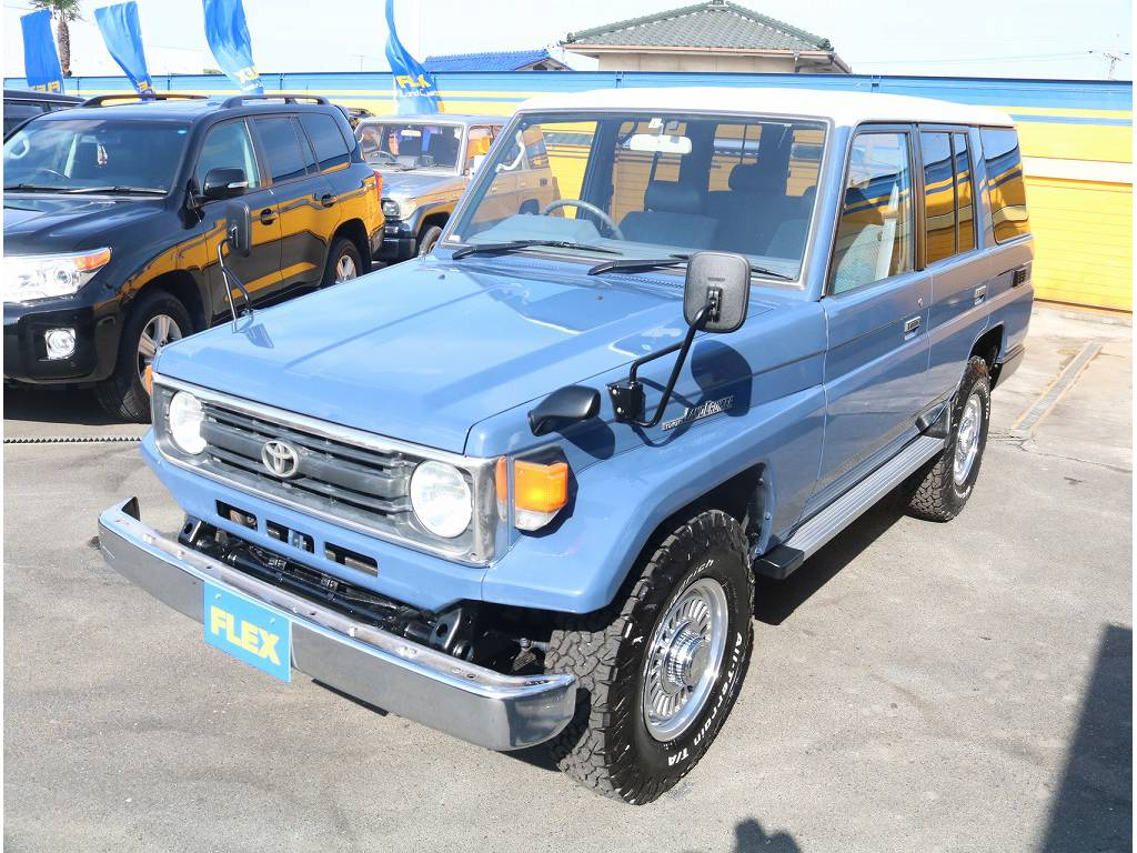 フロントフェイス   トヨタ ランドクルーザー70 4.2 LX ディーゼル 4WD