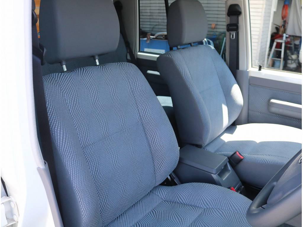 内装も非常に綺麗です!! | トヨタ ランドクルーザー70 4.0 4WD