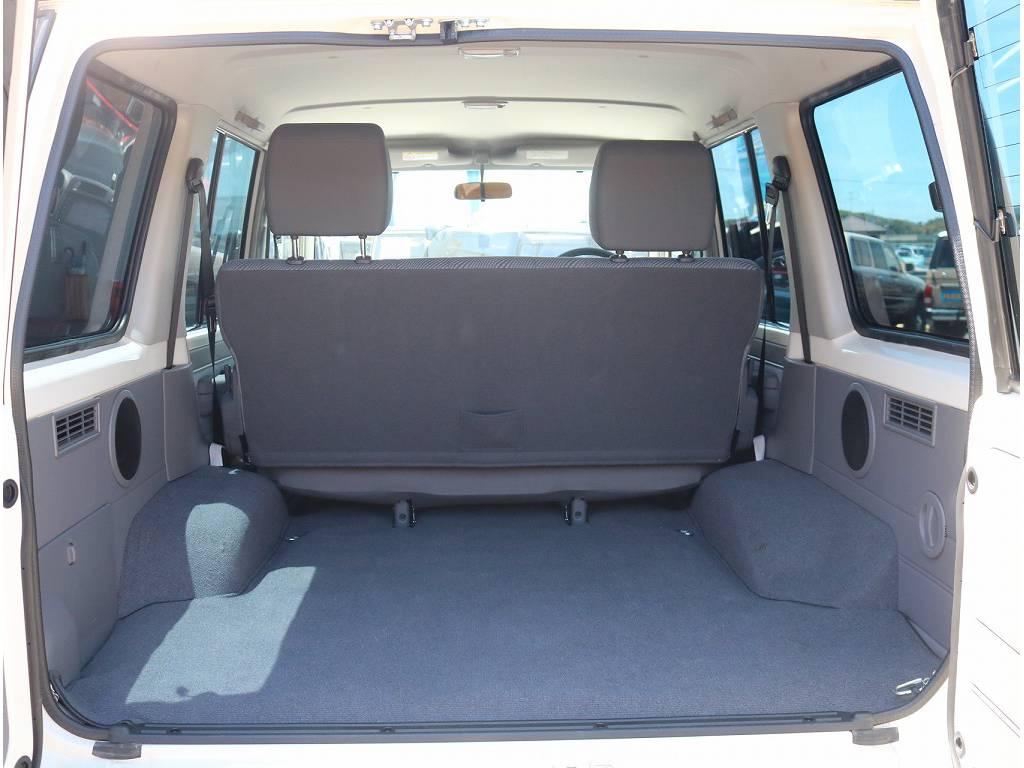 ラゲッジルームも広々!! | トヨタ ランドクルーザー70 4.0 4WD