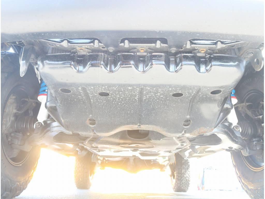 堅牢なラダーフレーム車!劣悪な錆も無く長くお乗り頂けます! | トヨタ ランドクルーザープラド 3.0 TX ディーゼルターボ 4WD