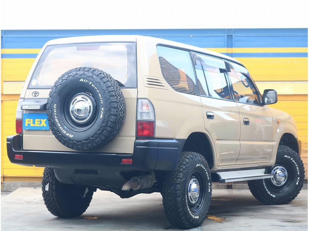 人気のクラシックスタイル!程良い車高の2インチUP!無骨な印象のエクステリア! | トヨタ ランドクルーザープラド 3.0 TX ディーゼルターボ 4WD