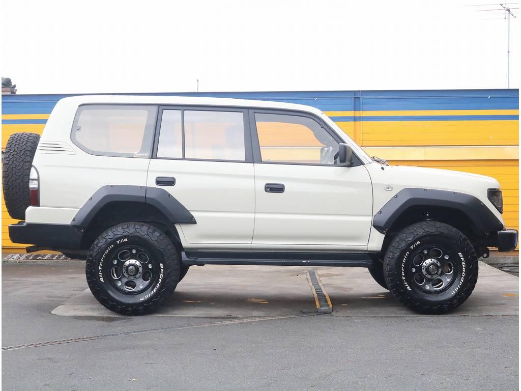 しかもベースとなった車両はワンオーナーで整備記録も7枚有る当店イチオシ車両です!