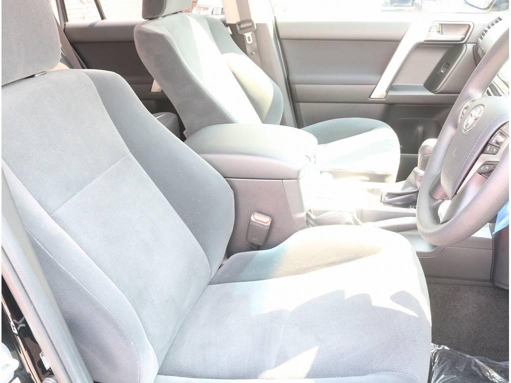 ブラックシートカバーをはじめ、フレックスオリジナルの生地から選べるシートカバーもご用意しております。オンリーワンの一台を是非作成お待ちいたしております。 | トヨタ ランドクルーザープラド 2.8 TX ディーゼルターボ 4WD