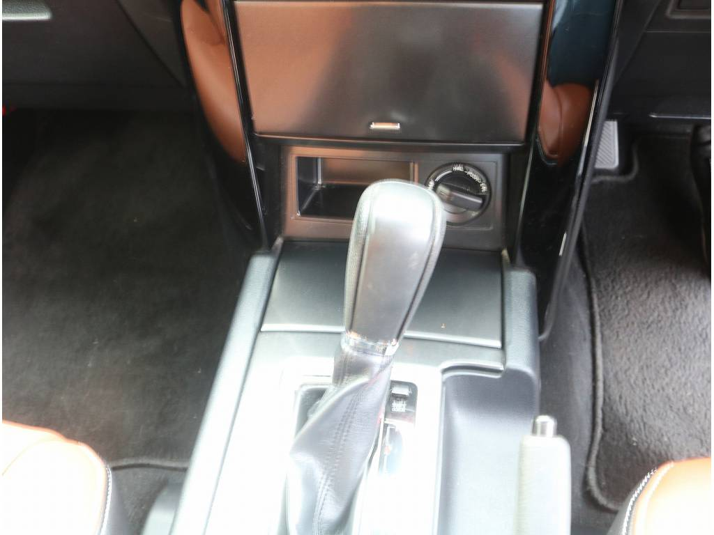 7人乗りになっております!!   トヨタ ランドクルーザープラド 2.7 TX 4WD