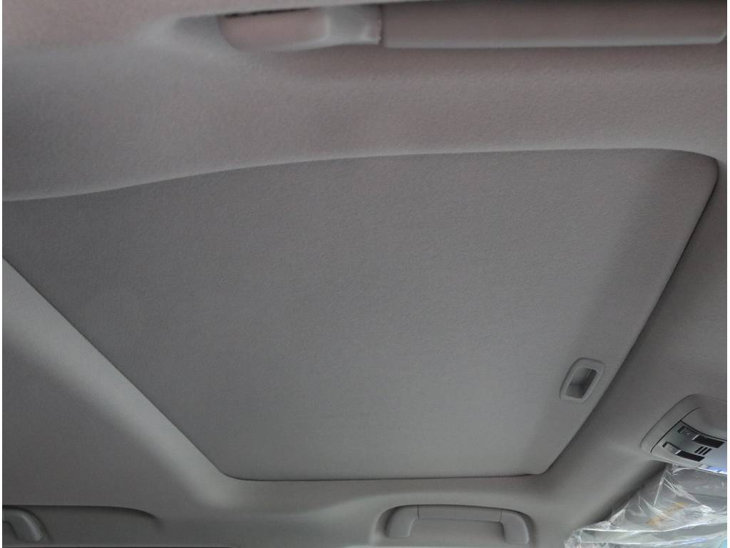 | トヨタ ランドクルーザープラド 2.8 TX ディーゼルターボ 4WD 5人