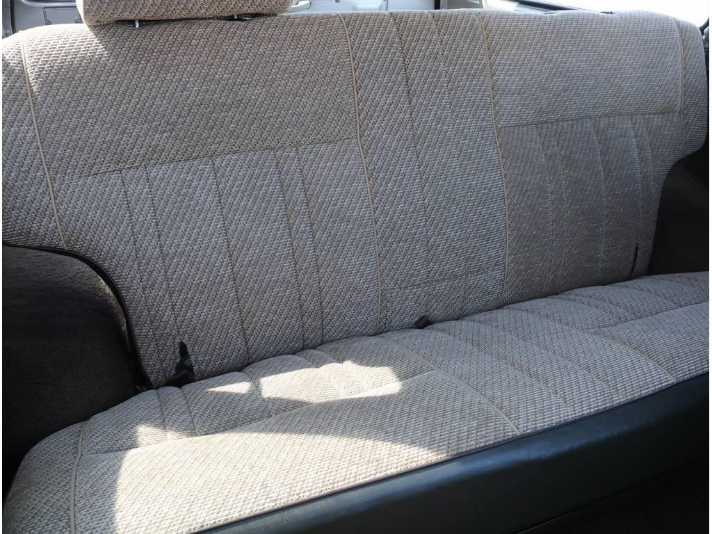 もちろん後部座席シートも程度良く保たれており綺麗です!