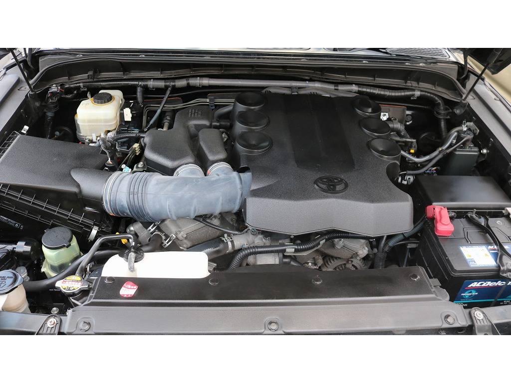 4000ccV6エンジンです!パワフルな走りを体感してください♪