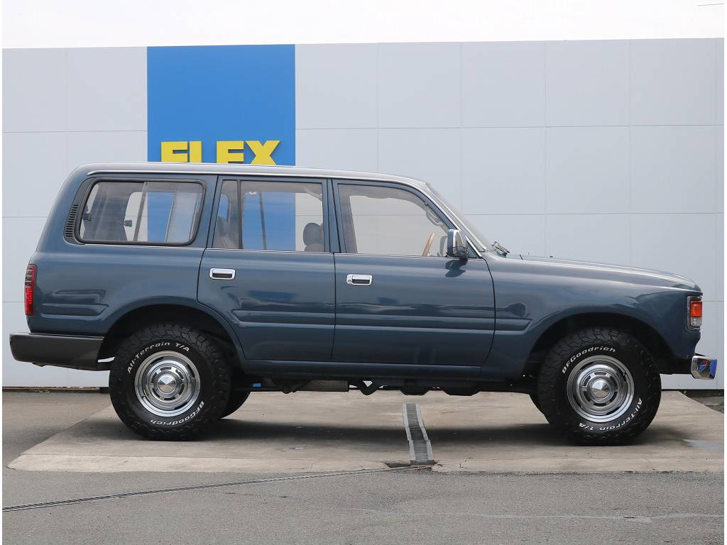 当店の在庫車は全て車輌検査専門会社である第三者機関(株)AIS、日本自動車鑑定協会(JAAA)にて1台1台、必ず二重の車輌チェックを実施しております。修復歴有りの車無断販売はいたしません。