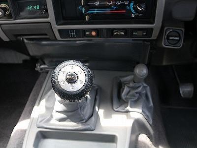 運転の楽しい5速マニュアルモデルです!