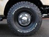 新品タイヤホイールがインストールされております。
