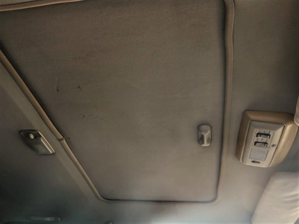サンルーフも完備されております。SXはサンルーフオプションになっており付いております物は限られております!