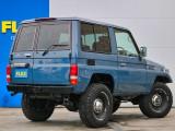 ミニカーの様な風貌の車輛です!サイズ感としては非常にコンパクトで使い易いスタイルです!