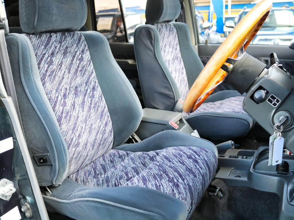 ブラックシートカバーやお客様のお好みの完全オーダーシートカバーもご用意しておりますので、お気軽にご相談下さいませ♪