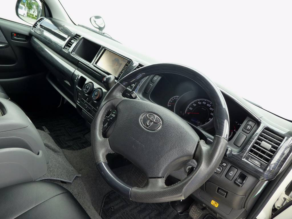 ガングリップコンビステアリングは操作するのが楽しくなりますよ!! | トヨタ ハイエース 2.7 GL ロング ミドルルーフ 4WD コーストライン