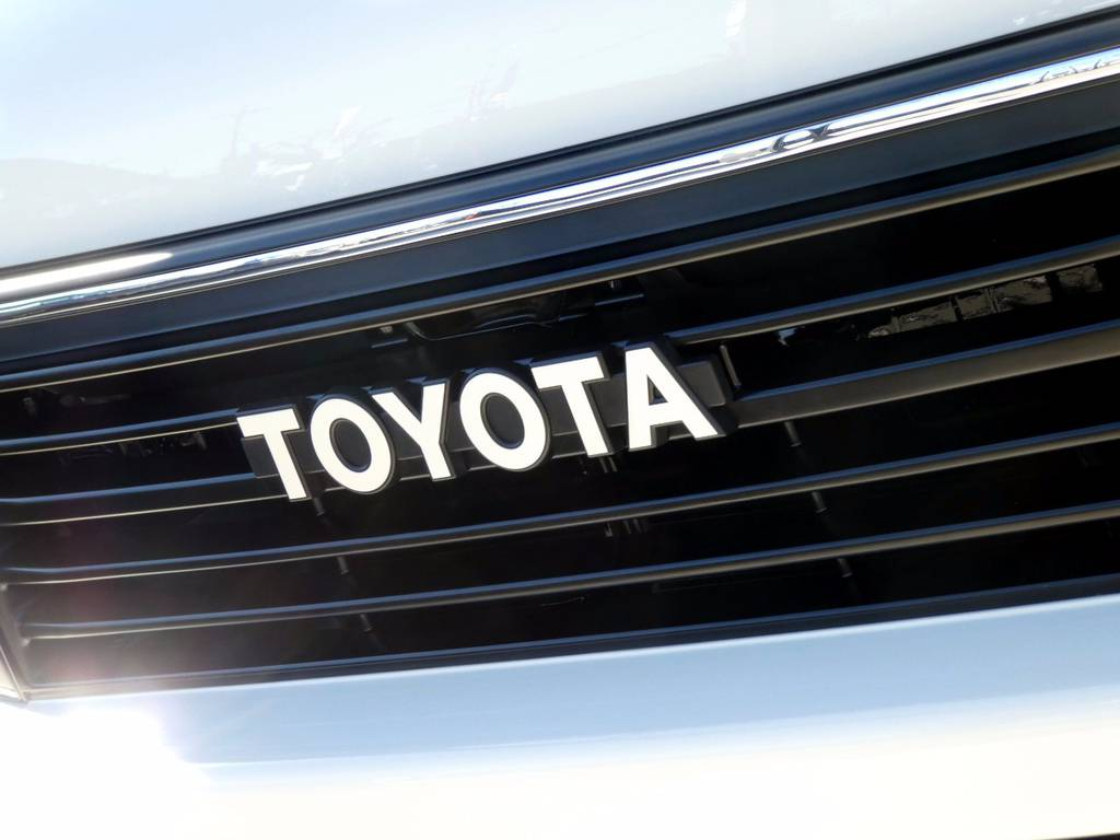 こだわりのトヨタエンブレム!! | トヨタ ハイエース 2.7 GL ロング ミドルルーフ 4WD コーストライン