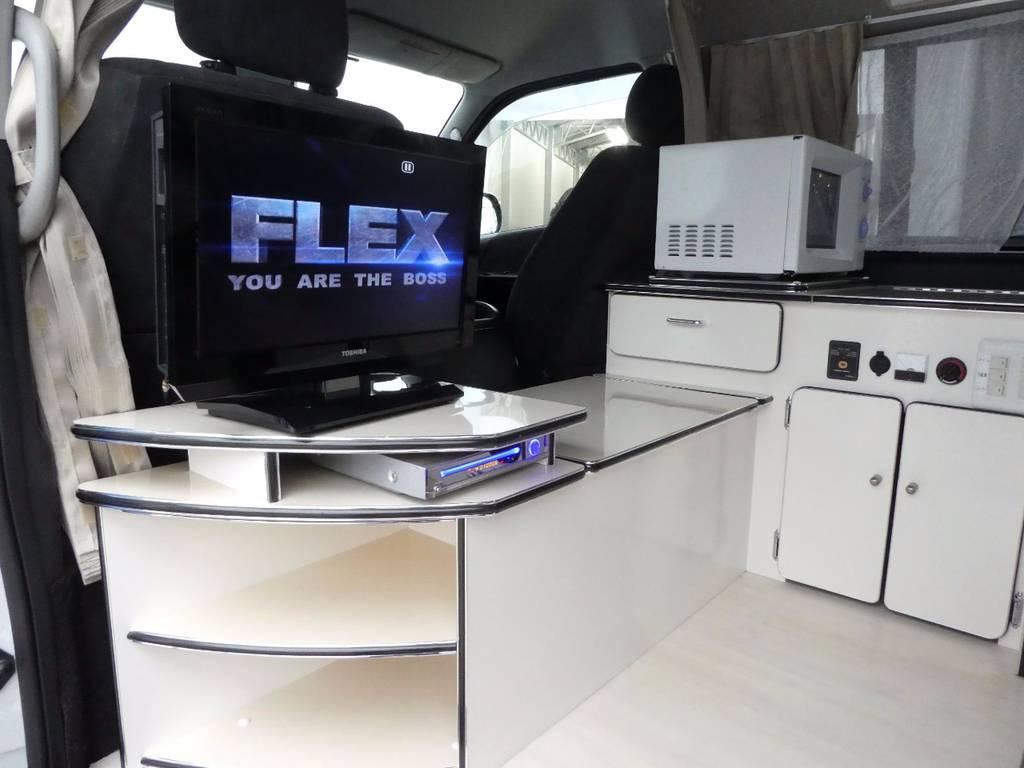REGZA液晶テレビ 電子レンジを装備!!   トヨタ ハイエース 2.7 GL ロング ミドルルーフ FFヒーター 1500W