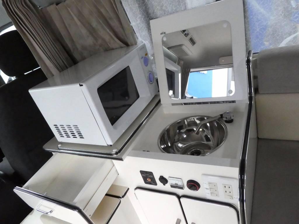 シンクも電動でお水が出ますよ☆彡   トヨタ ハイエース 2.7 GL ロング ミドルルーフ FFヒーター 1500W