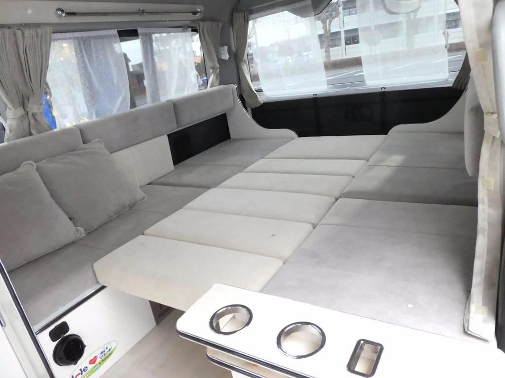 背もたれの利用しベットとしてもご利用いただけます!!   トヨタ ハイエース 2.7 GL ロング ミドルルーフ FFヒーター 1500W