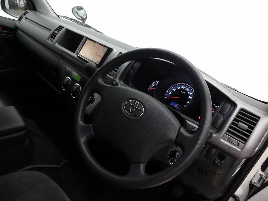 インテリアのカスタムもお任せ下さい!!   トヨタ ハイエース 2.7 GL ロング ミドルルーフ FFヒーター 1500W