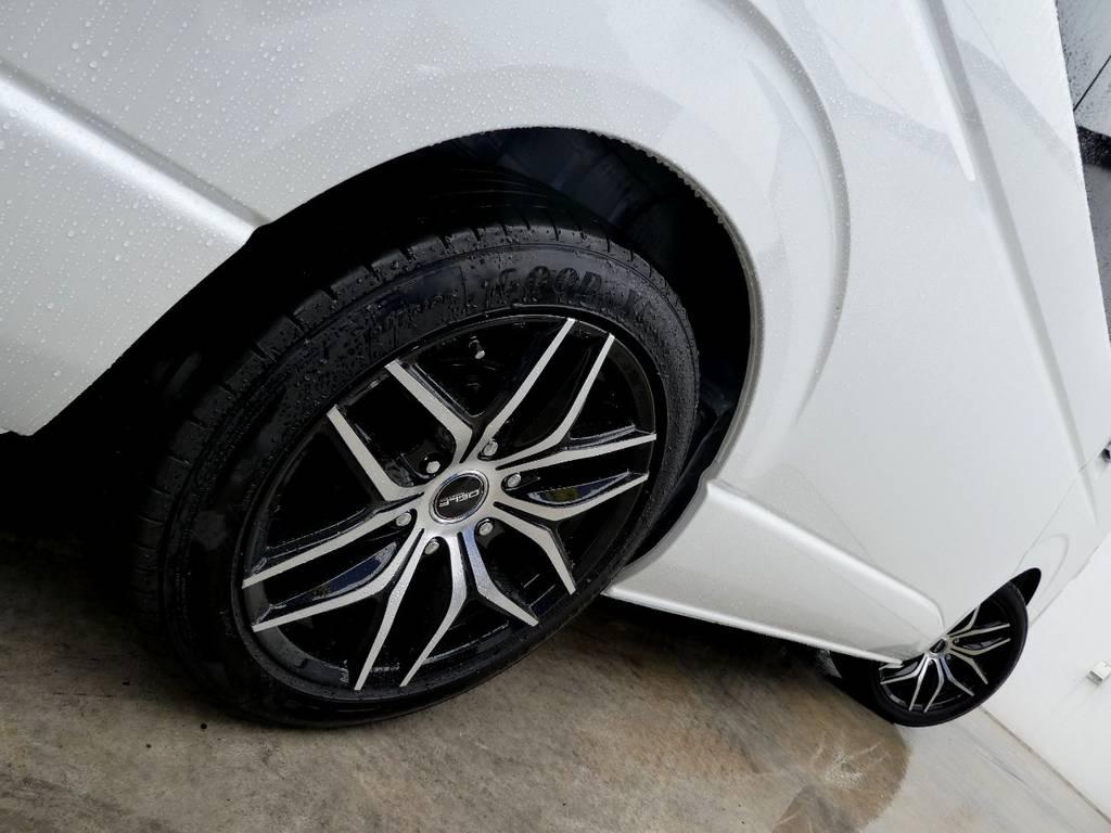 サイドラインを美しく彩るアルミフェイス!! | トヨタ ハイエース 2.7 GL ロング ミドルルーフ 4WD 新型TSS付き トリプルナビspl