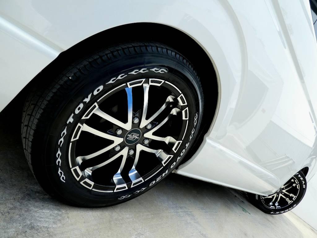 サイドラインを力強く彩るゼロブレイクS17インチアルミ!!   トヨタ ハイエース 2.7 GL ロング ミドルルーフ VER2