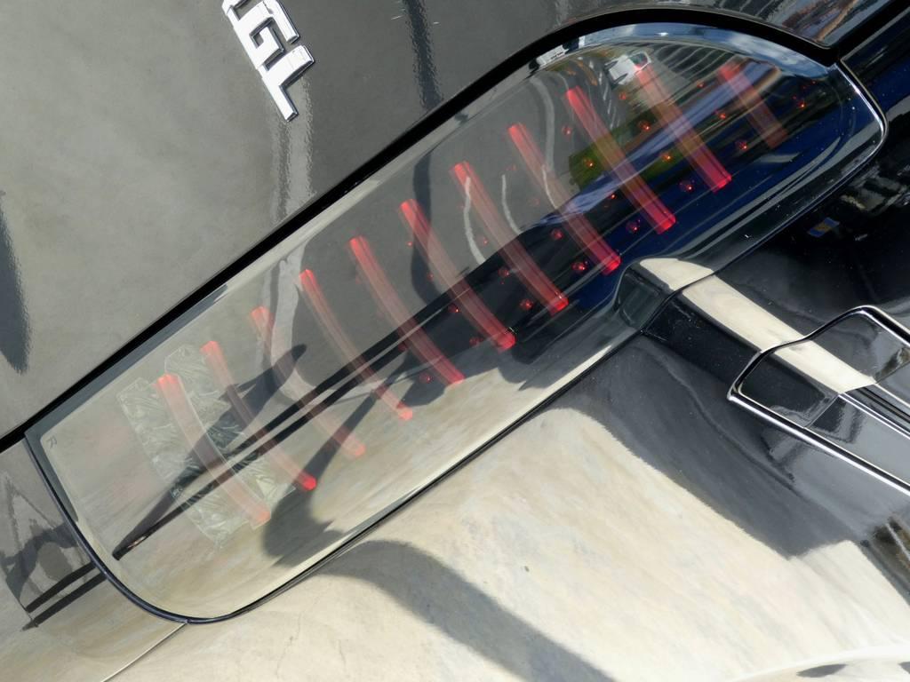 LEDチューブテールは見る者を魅了します!! | トヨタ レジアスエース 3.0 スーパーGL ロングボディ ディーゼルターボ