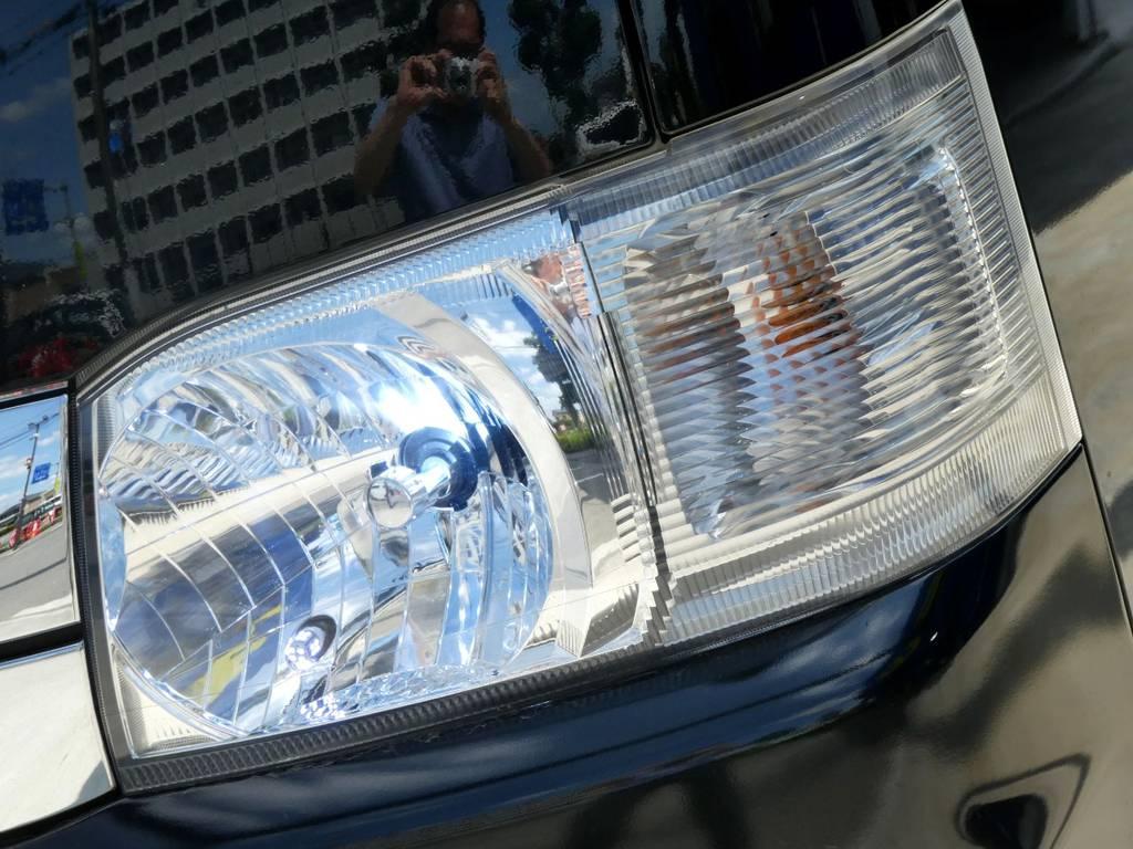社外HIDヘッドライト配備で夜道も安心です!!