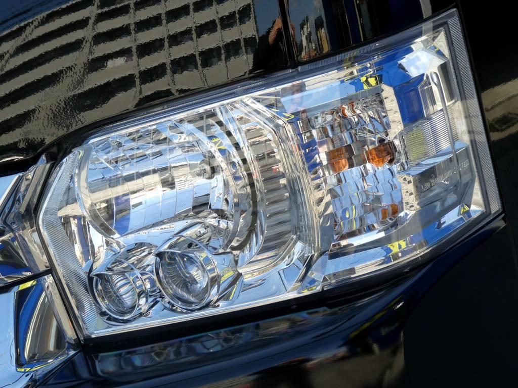 メーカーオプションのLEDヘッドライト フォグランプを装備!!