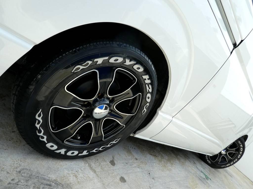 サイドラインを美しく彩るアルミフェイス!! | トヨタ ハイエースバン 2.0 スーパーGL ロング ツインナビカスタム
