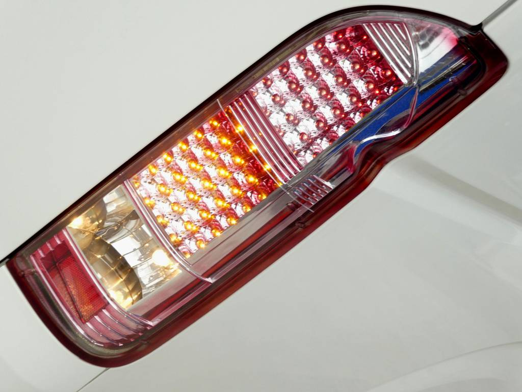 クリアーレッドLEDテール!! | トヨタ ハイエース 2.7 GL ロング ミドルルーフ