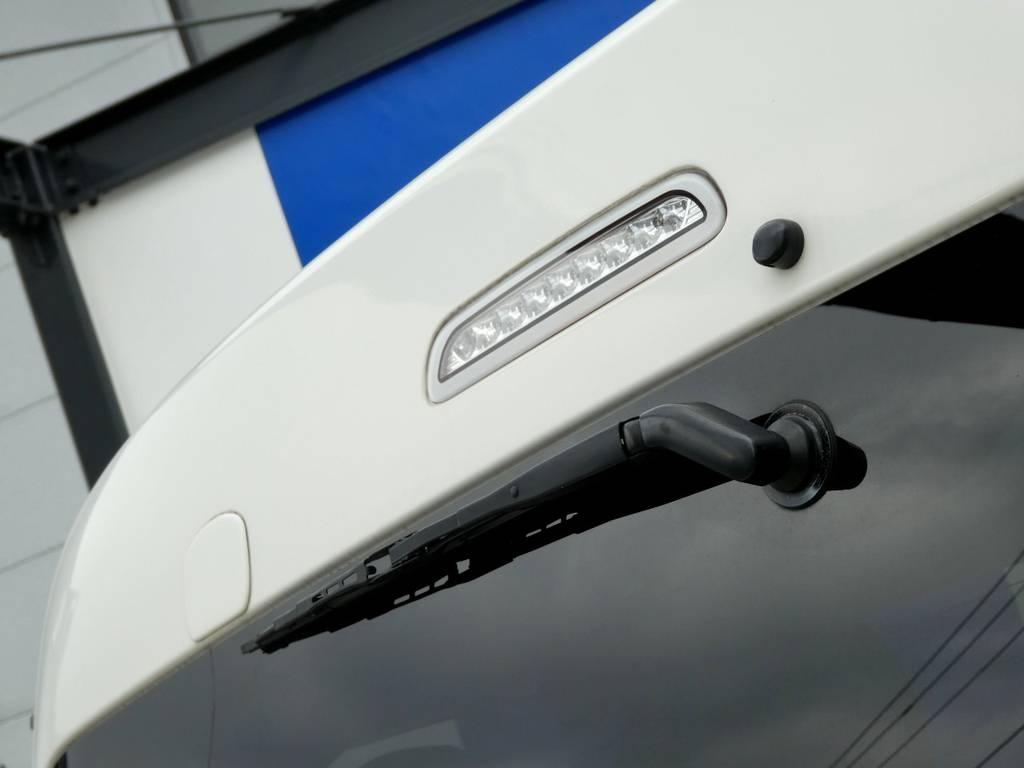 背面ミラーレス施工 さりげなくハイマウントランプはクリアータイプをチョイス!! | トヨタ ハイエース 2.7 GL ロング ミドルルーフ
