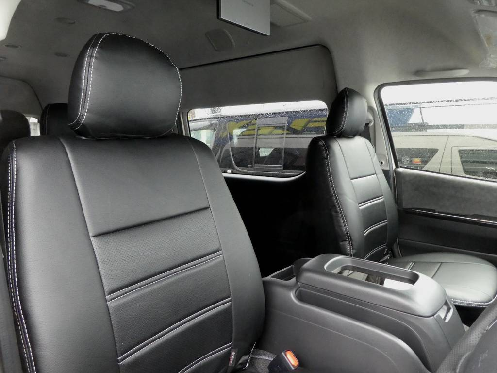 立体裁断の専用シートカバーは耐久性が違いますよ!! | トヨタ ハイエース 2.7 グランドキャビン 4WD トリプルナビカスタム