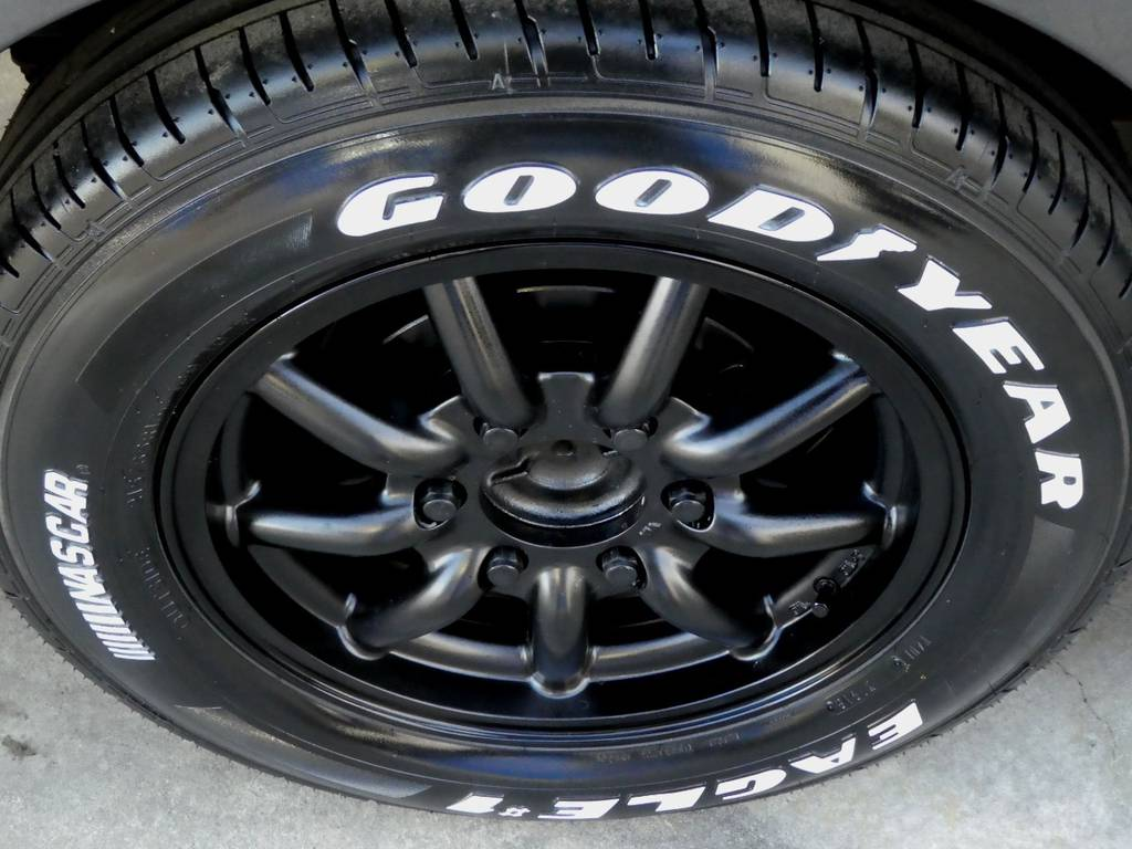 ファブレスMC9 16インチアルミ ナスカーホワイトレタータイヤをセット!! | トヨタ レジアスエース 3.0 スーパーGL ロングボディ ディーゼルターボ 4WD