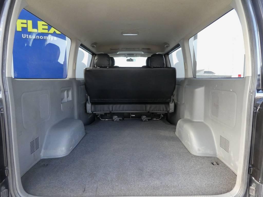 ラゲッジスペースへベットキットの追加カスタムもお任せ下さい!! | トヨタ レジアスエース 3.0 スーパーGL ロングボディ ディーゼルターボ 4WD