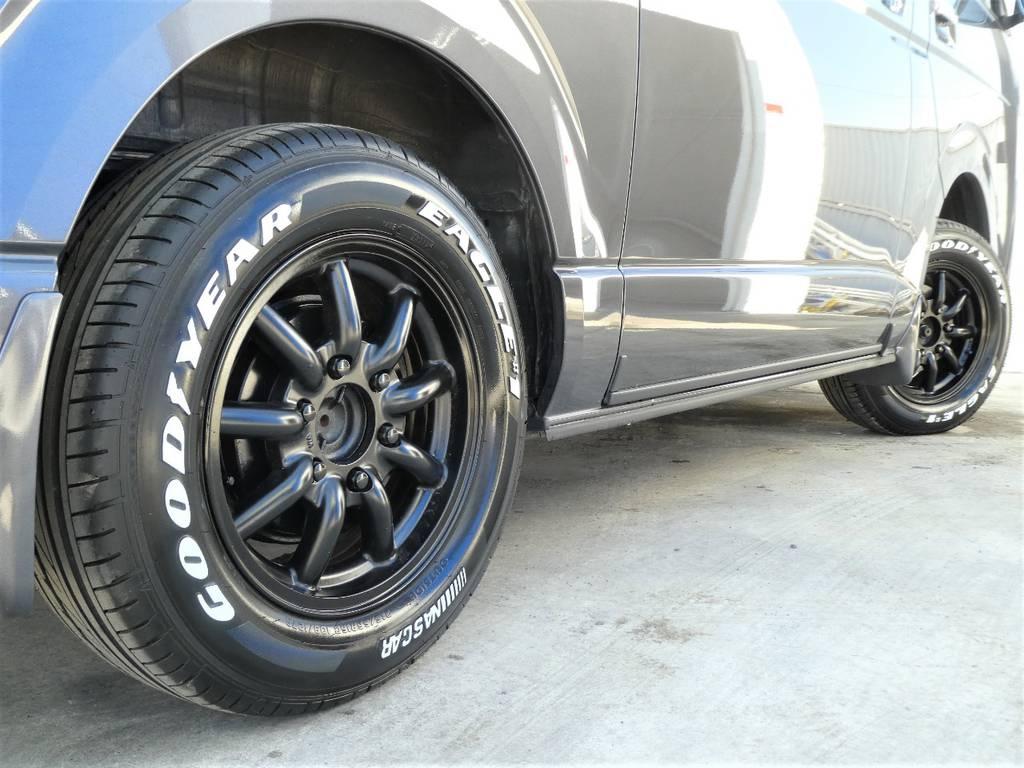 サイドラインを力強く彩るアルミフェイス!! | トヨタ レジアスエース 3.0 スーパーGL ダークプライム ロングボディ ディーゼルターボ 4WD 内外装フルカスタム