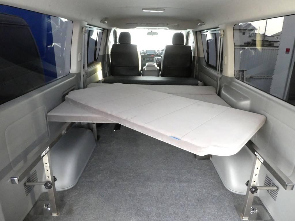 3分割、高さ調整機能付きのベットキットです!! | トヨタ ハイエースバン 3.0 スーパーGL ロング ディーゼルターボ 4WD 内外装フルカスタム