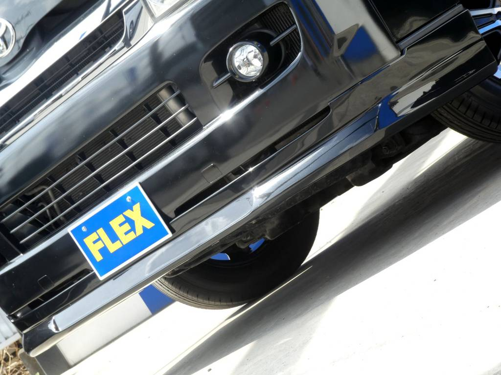 FLEXオリジナルスポイラーがフロントフェイスを引き締めます!! | トヨタ ハイエースバン 3.0 スーパーGL ロング ディーゼルターボ 4WD 内外装フルカスタム