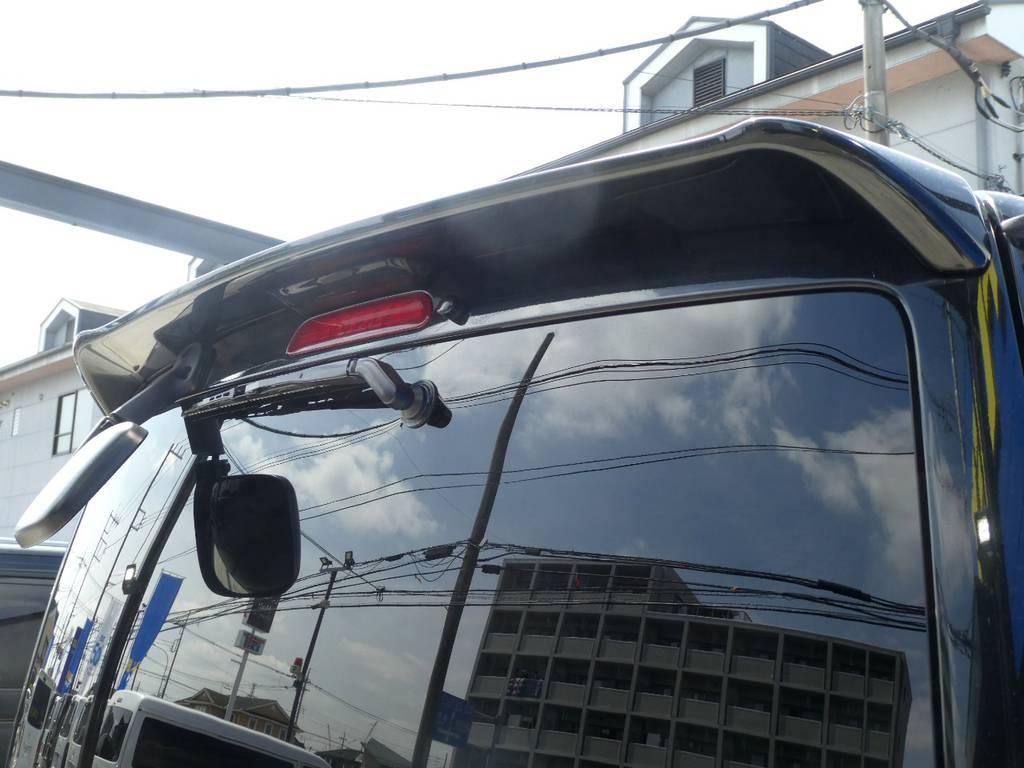 リアスポイラー完備!! | トヨタ ハイエースバン 3.0 スーパーGL ロング ディーゼルターボ 4WD 内外装フルカスタム