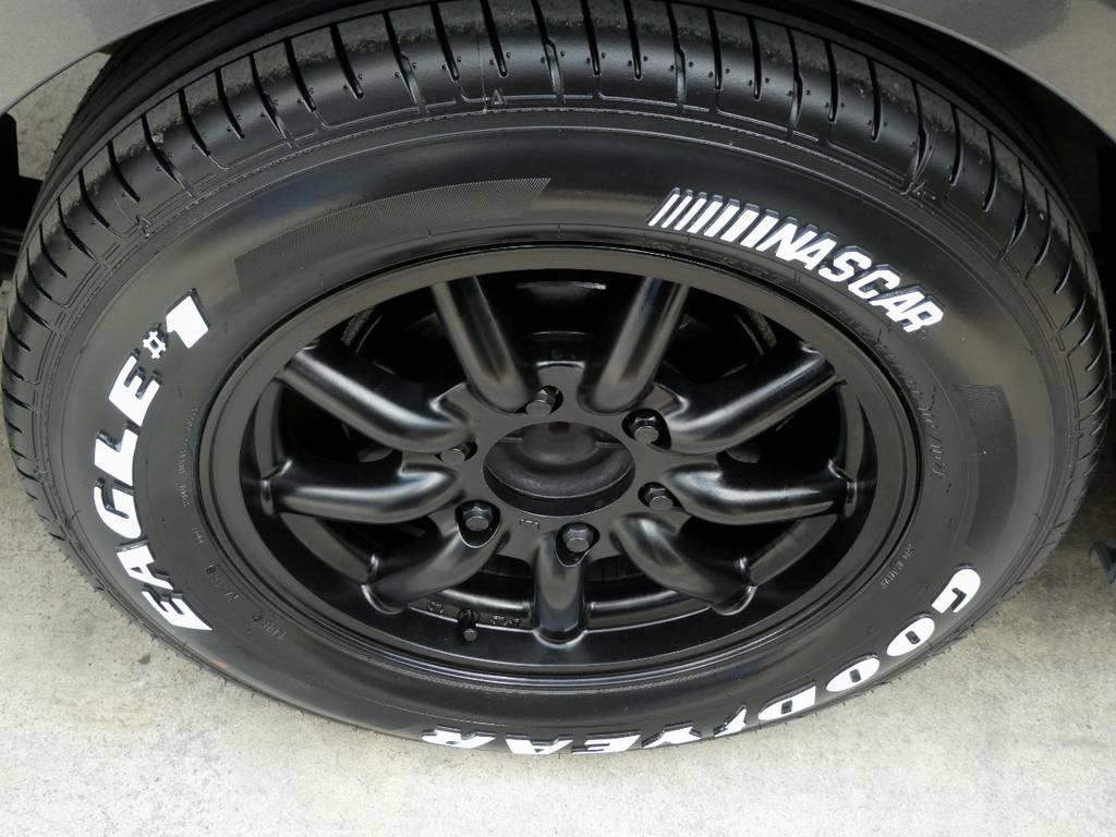 MC9 16インチアルミ ナスカーホワイトレタータイヤをセット!!