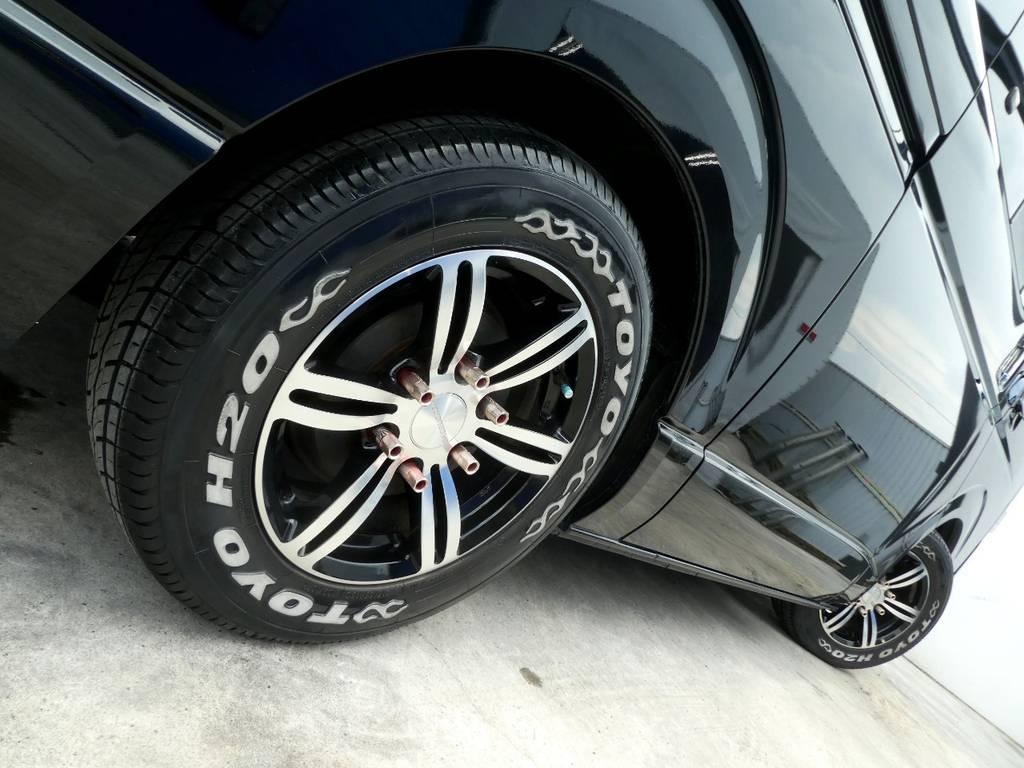 サイドラインを美しく彩るアルミフェイス!! | トヨタ ハイエースバン 3.0 スーパーGL ロング ディーゼルターボ ベットカスタム