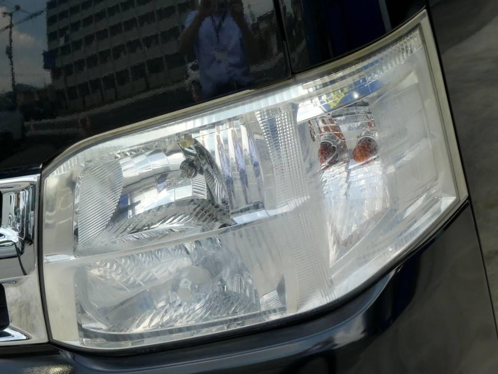 メーカーオプションのHIDヘッドライト完備!! | トヨタ ハイエースバン 3.0 スーパーGL ロング ディーゼルターボ ベットカスタム