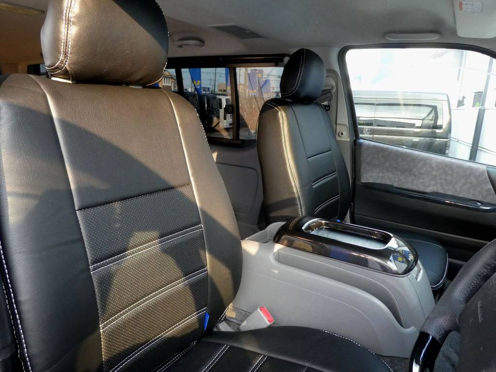 立体裁断の専用シートカバーは耐久性が違いますよ!! | トヨタ レジアスエース 2.5 スーパーGL ロングボディ ディーゼルターボ 4WD ワイルドカスタム