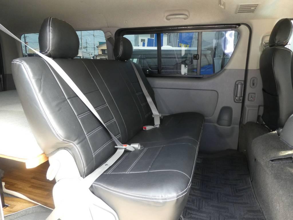 後席にはオプションのシートベルト配備で安心ですね!! | トヨタ レジアスエース 2.5 スーパーGL ロングボディ ディーゼルターボ 4WD ワイルドカスタム