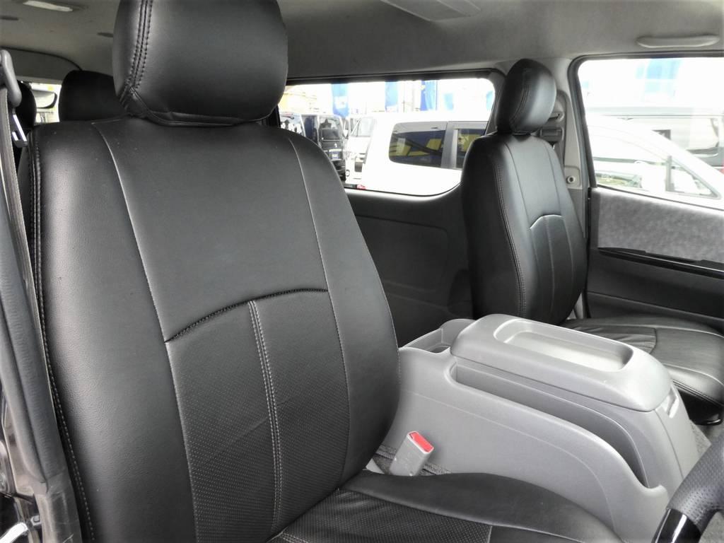 運転席周りは専用シートカバー完備!!