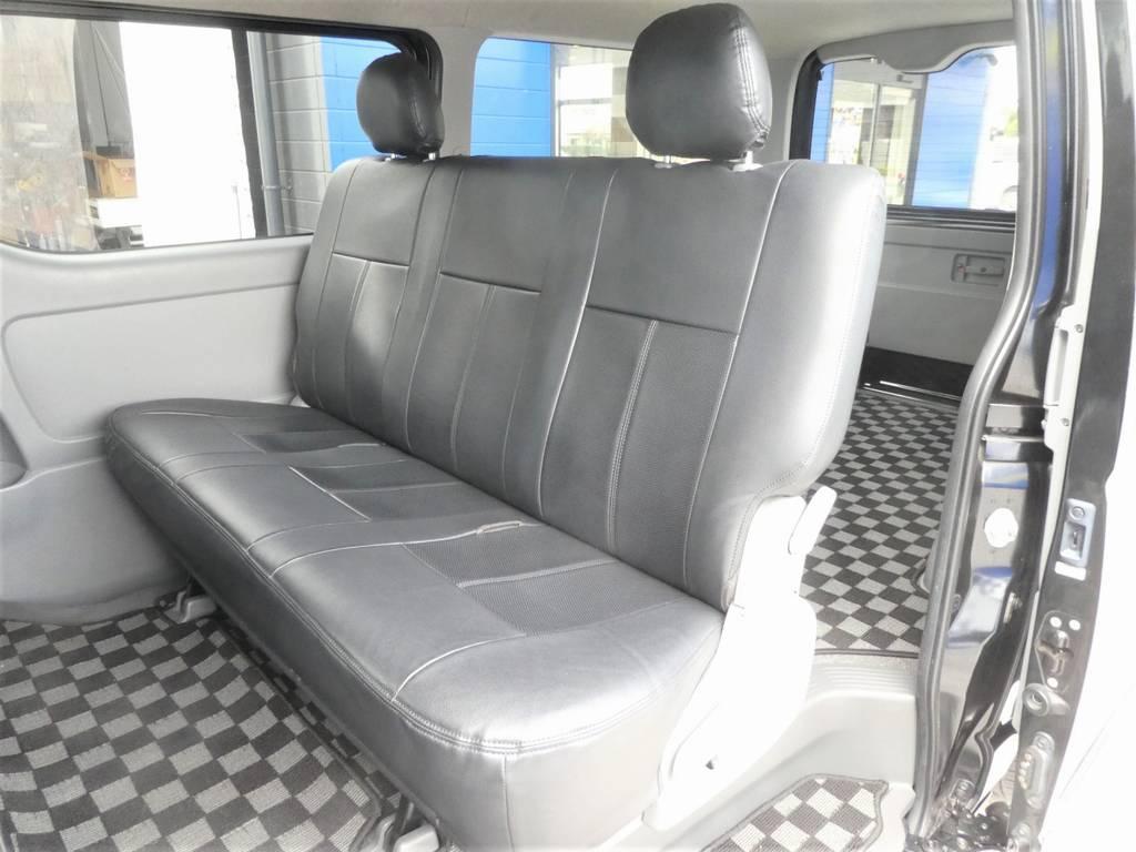 後席もシートカバー完備!!広々乗れるシートですよ☆彡