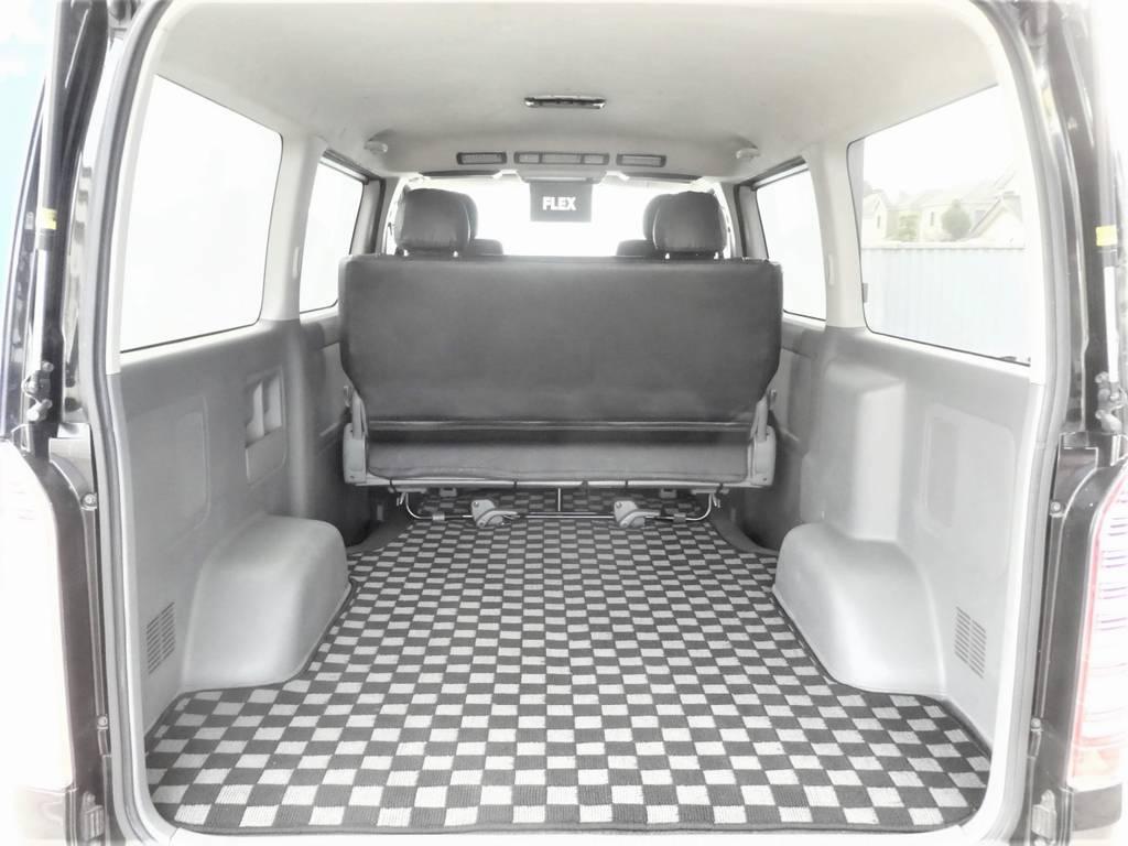 ラゲッジスペースは広々の空間!!ベッドキットを装着するもよし、荷室として使うのもよし☆彡