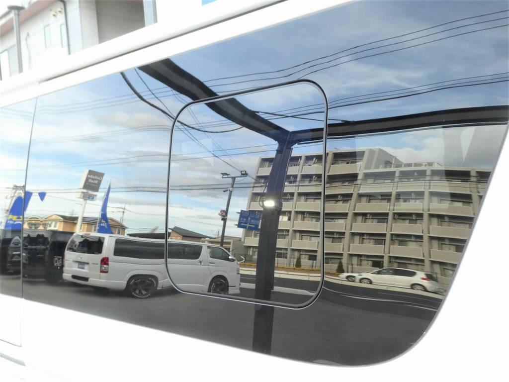 スライドドアガラスはうれしい窓付きガラスですよ☆彡