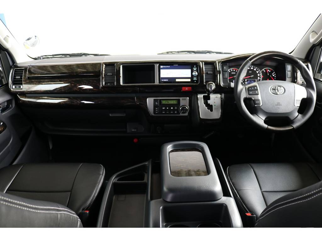 ケースペック マホガニー調ハンドル&シフトノブ装着!! | トヨタ ハイエース 2.7 GL ロング ミドルルーフ 4WD TSS付 即納車可能 人気のナビPKG