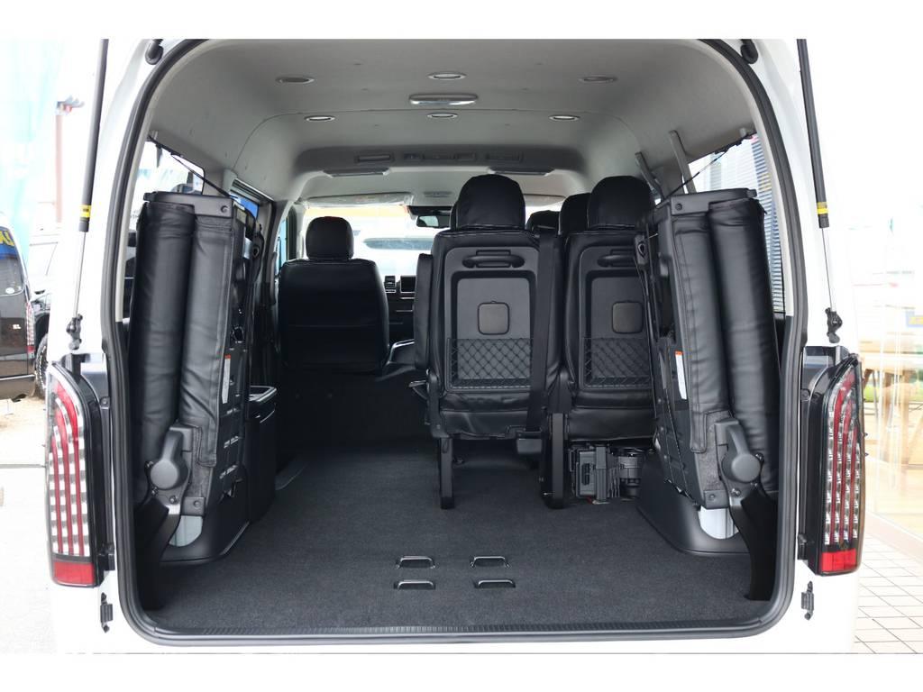 4列目シートを折り畳むと広大なラゲッジスペースが出来上がります。 | トヨタ ハイエース 2.7 GL ロング ミドルルーフ 4WD TSS付 即納車可能 人気のナビPKG